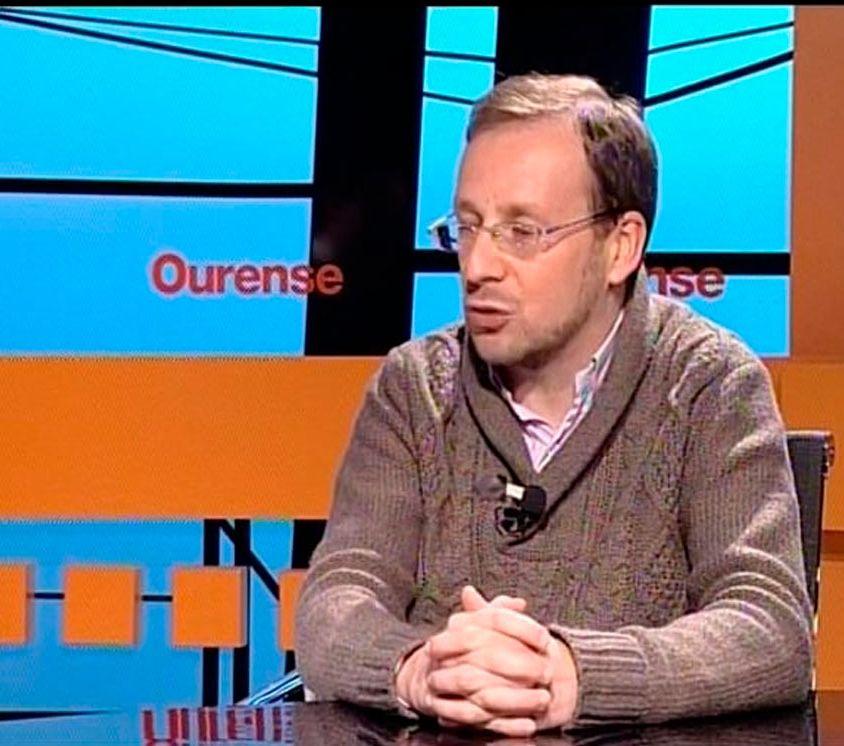 José López Castro explica los comités de ética